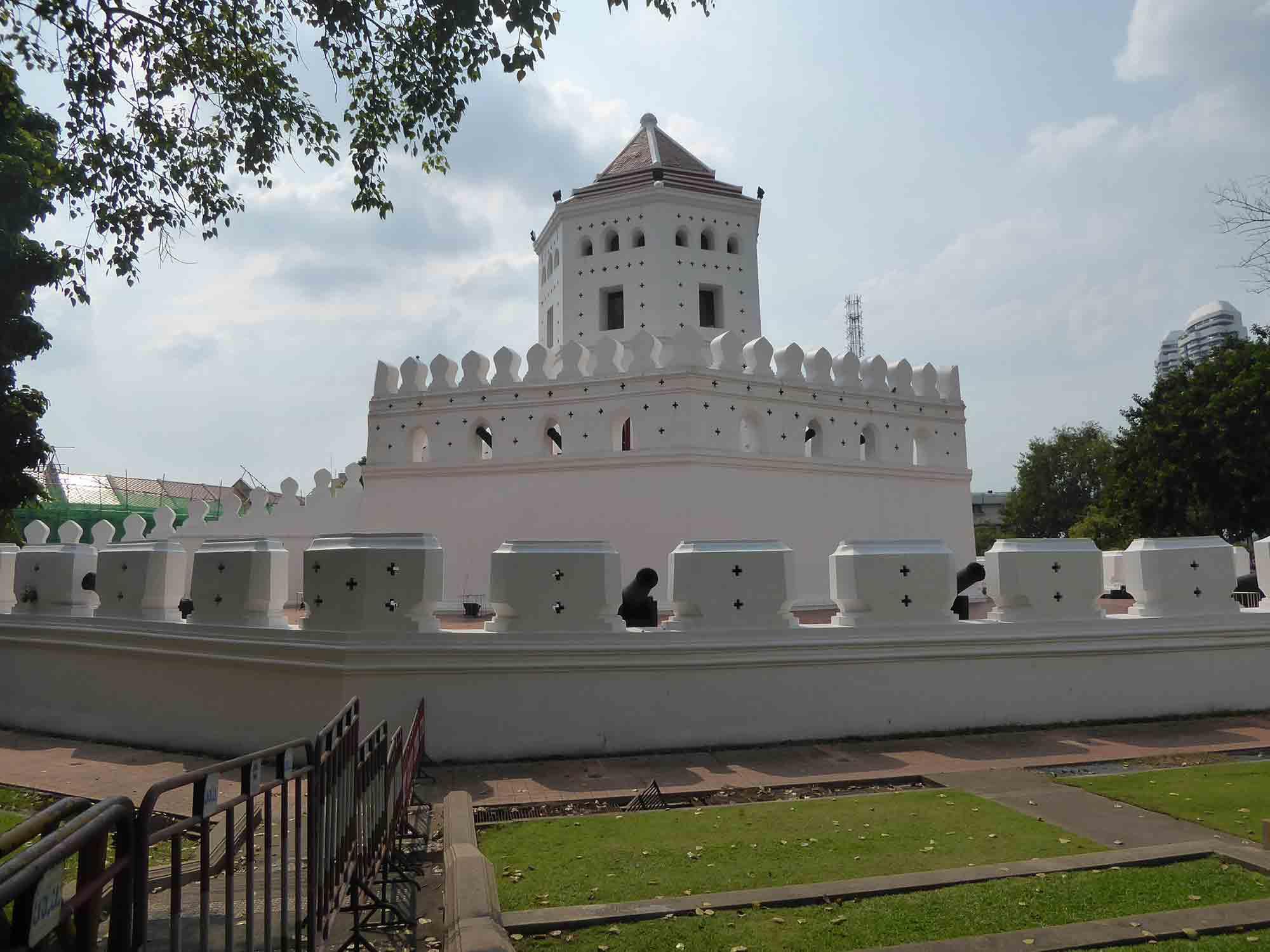 P1070490 - Landmarks & Monuments