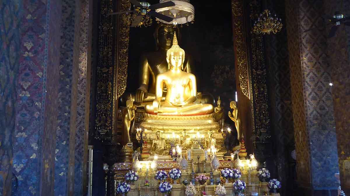 P1090433 - Wat Bowonniwet Vihara