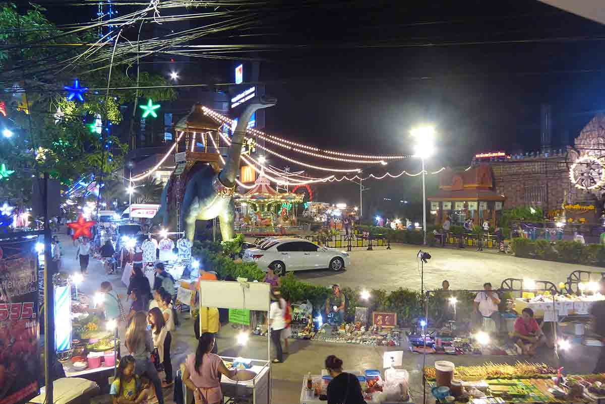 Bangkok Markets A-Z Suan Lum Night Bazaar