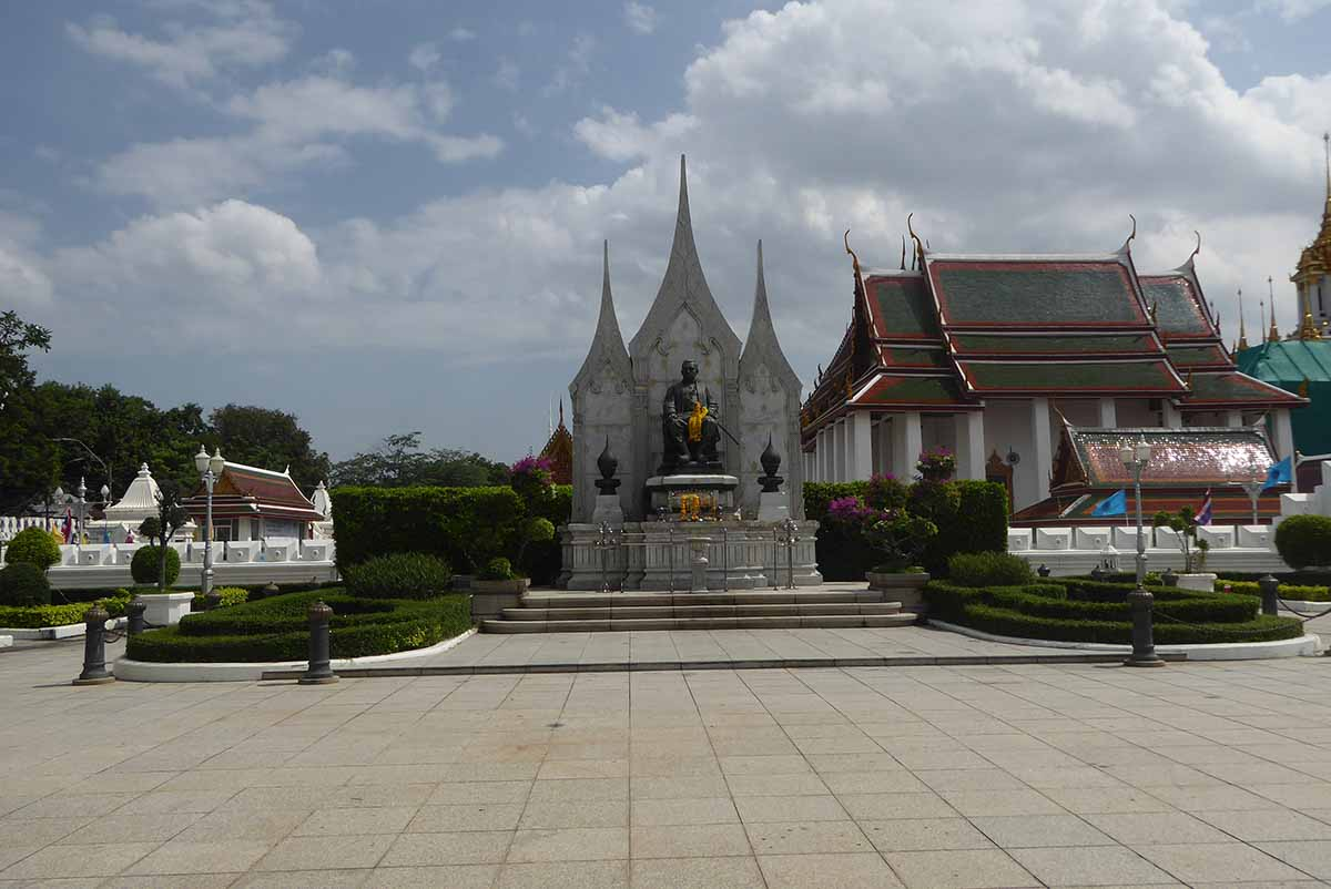 P1140348 - Landmarks & Monuments