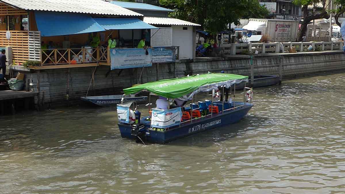 Phadung Krungkasem Canal Boat Bangkok