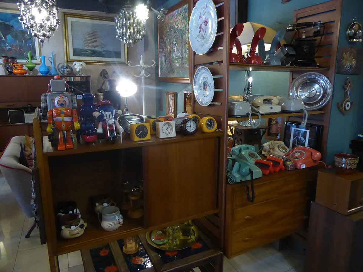 P1170149 - Vintage & Retro Furniture & Collectibles