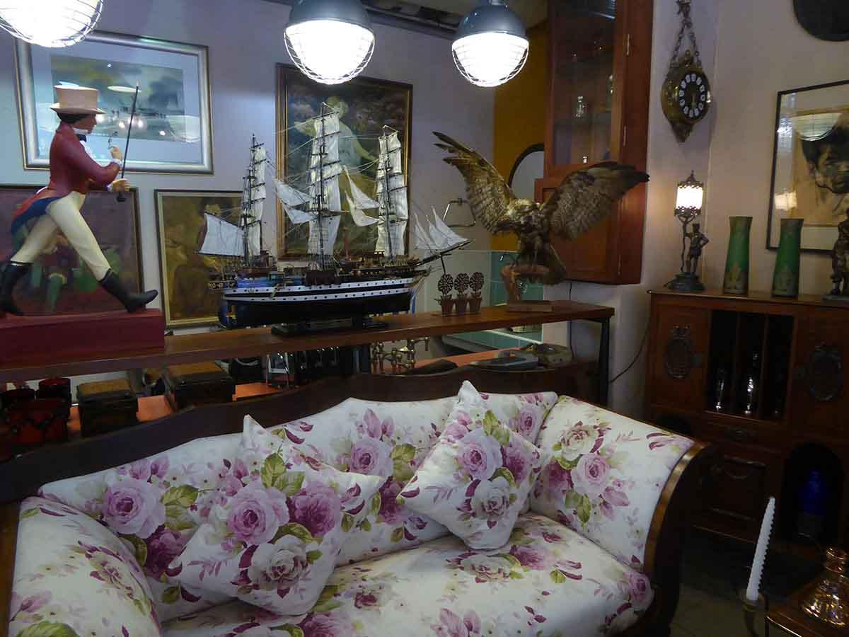 P1170150 - Vintage & Retro Furniture & Collectibles