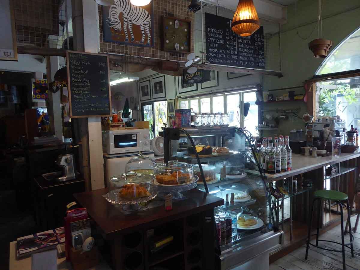 Vintage & Retro Furniture & Collectibles Shops in Bangkok