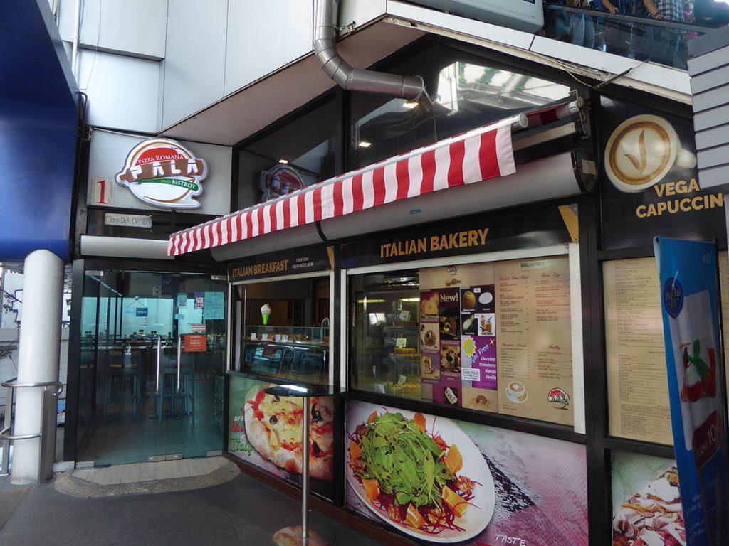 Pizza at Pala Pizza Romana Bangkok
