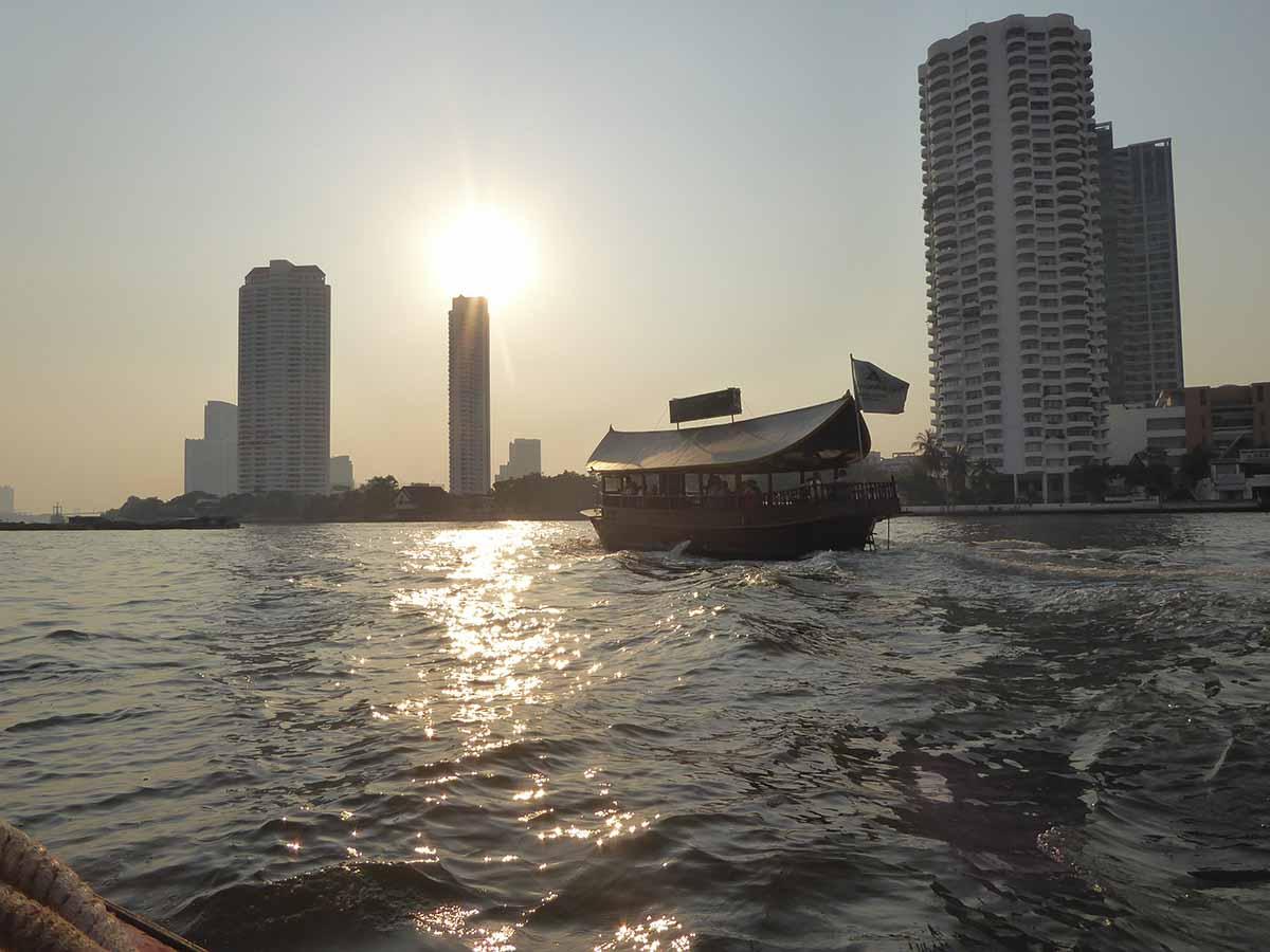 Riverside Bangkok. Bangkok Neighborhoods.