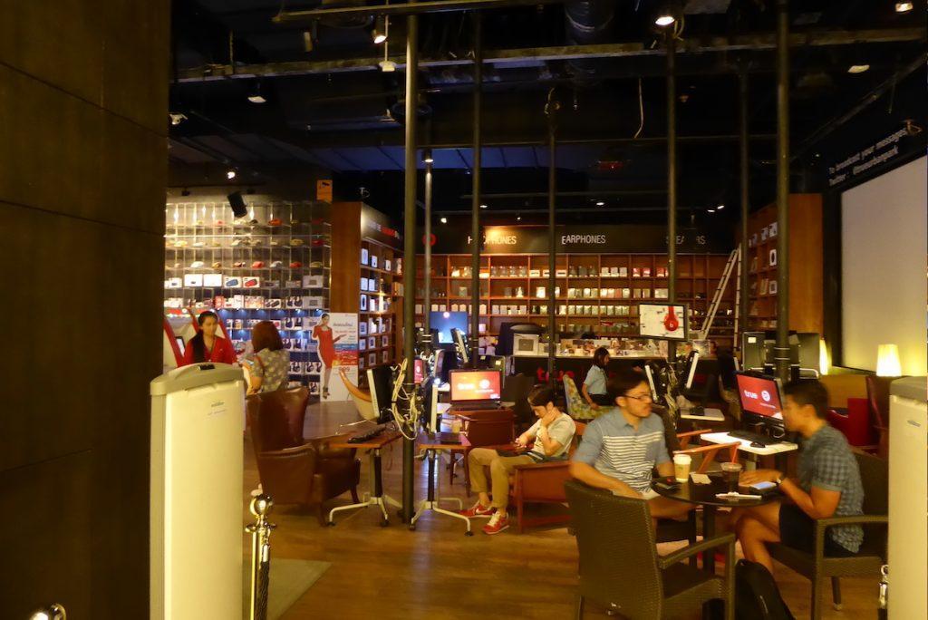 Internet cafe in Bangkok