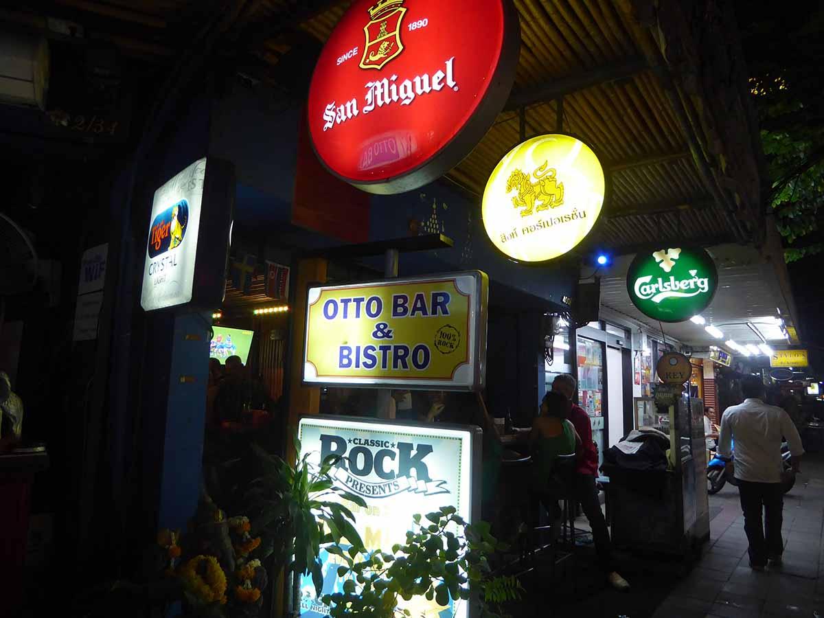 Otto Bar Sukhumvit Bangkok Live Rock