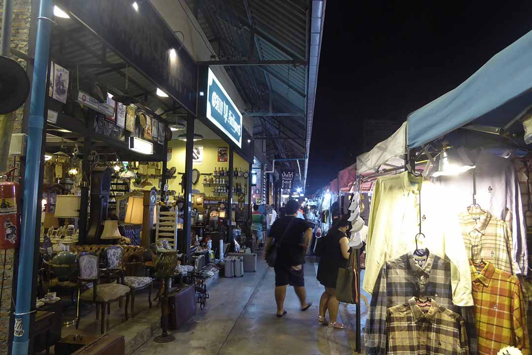 Ratchada Train Night Market - Markets in Bangkok
