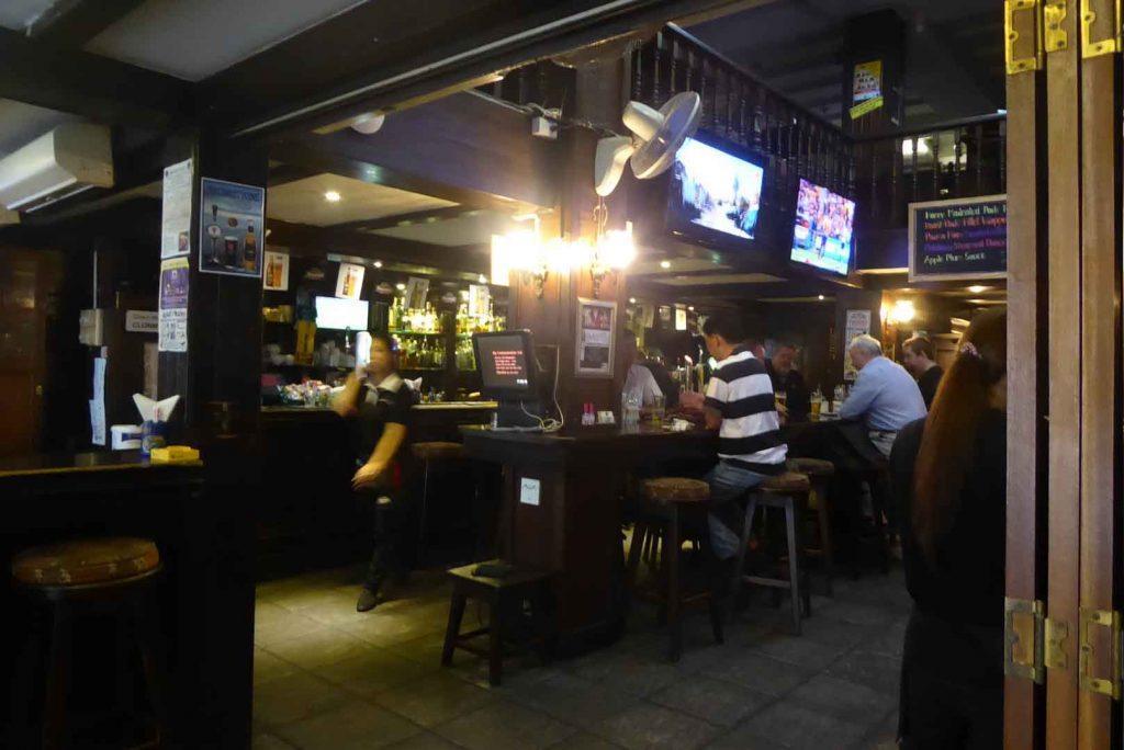 P1110091 1024x684 - British Style Pubs
