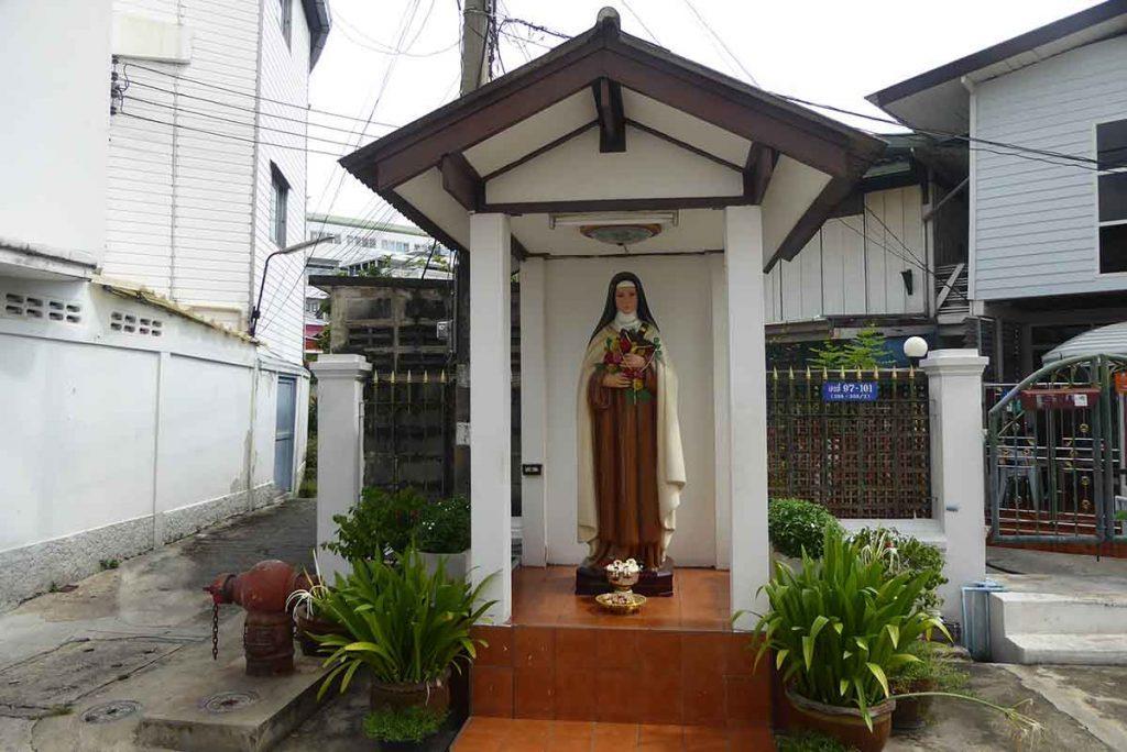 P1130980 1024x684 - Santa Cruz Church