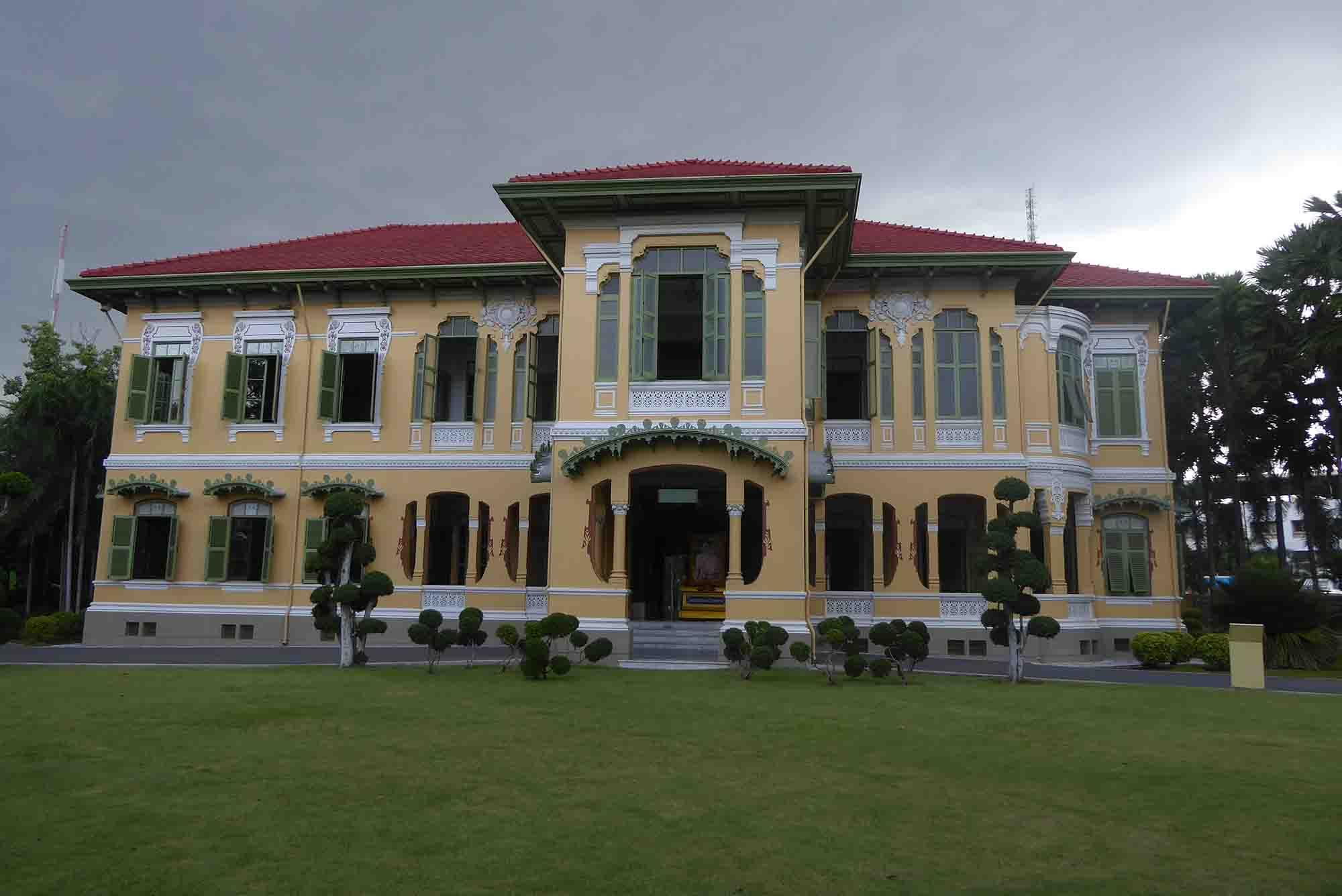 P1140573 - Royal Palaces