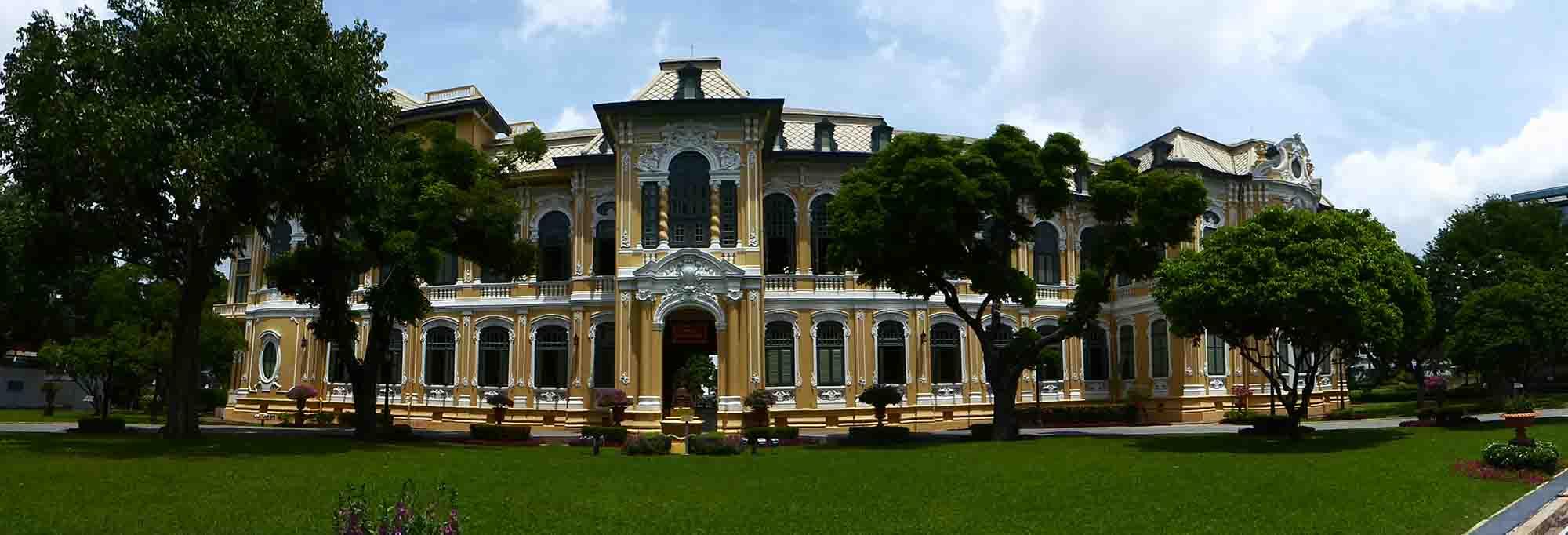 P1140905 - Royal Palaces
