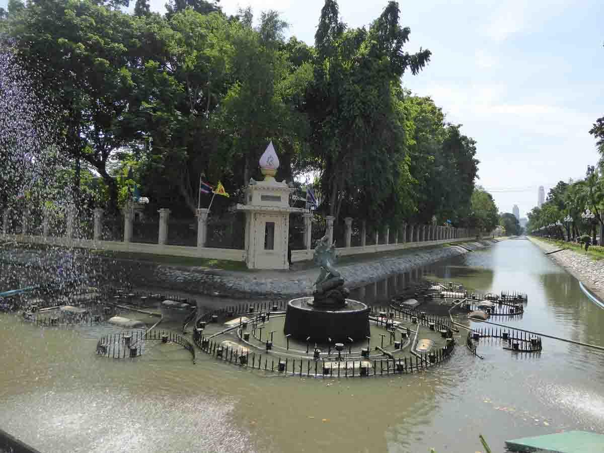 P1150271 - Royal Palaces