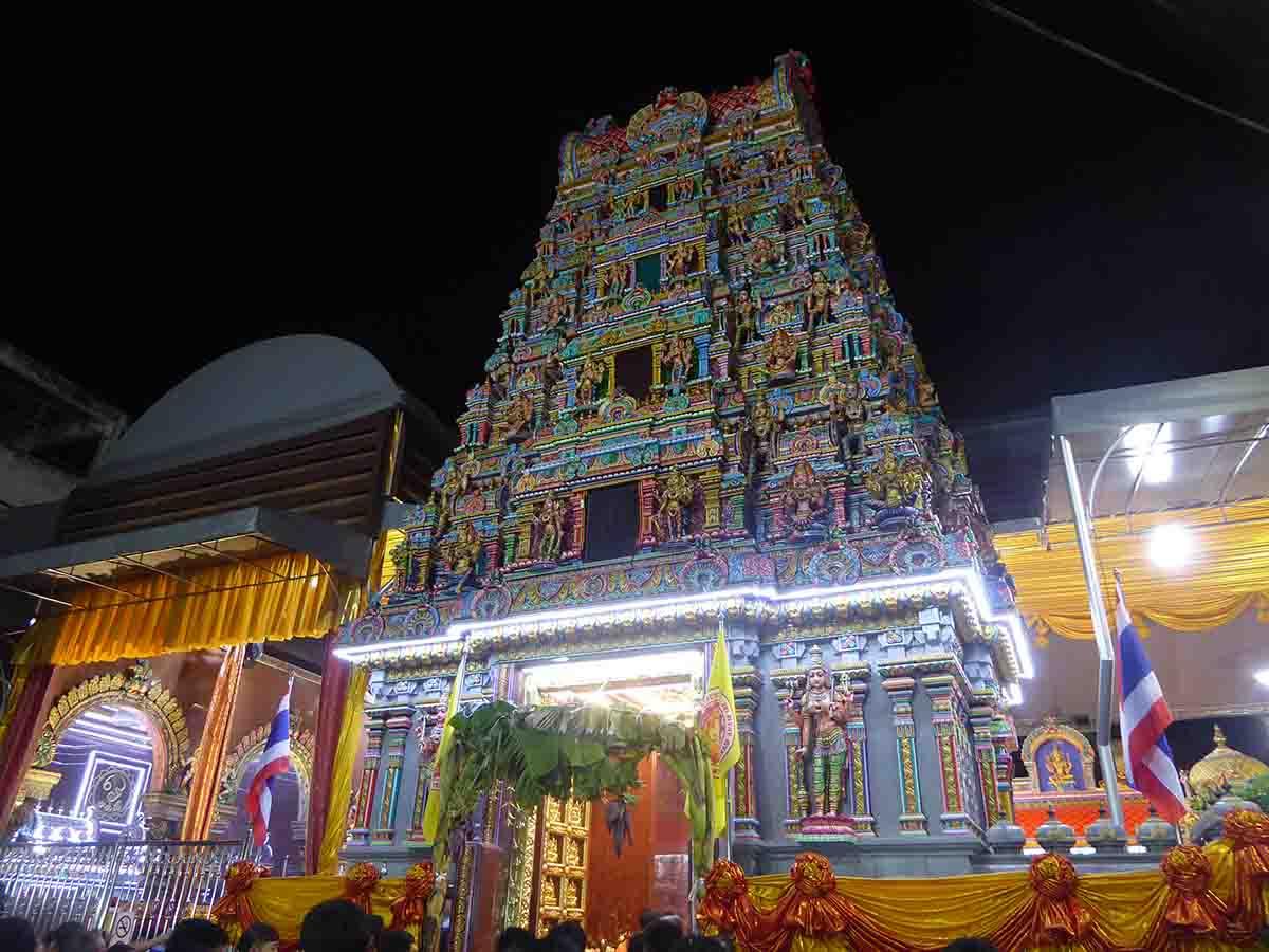 Wat Phra Sri Maha Uma Devi hindu Temple in Bangkok