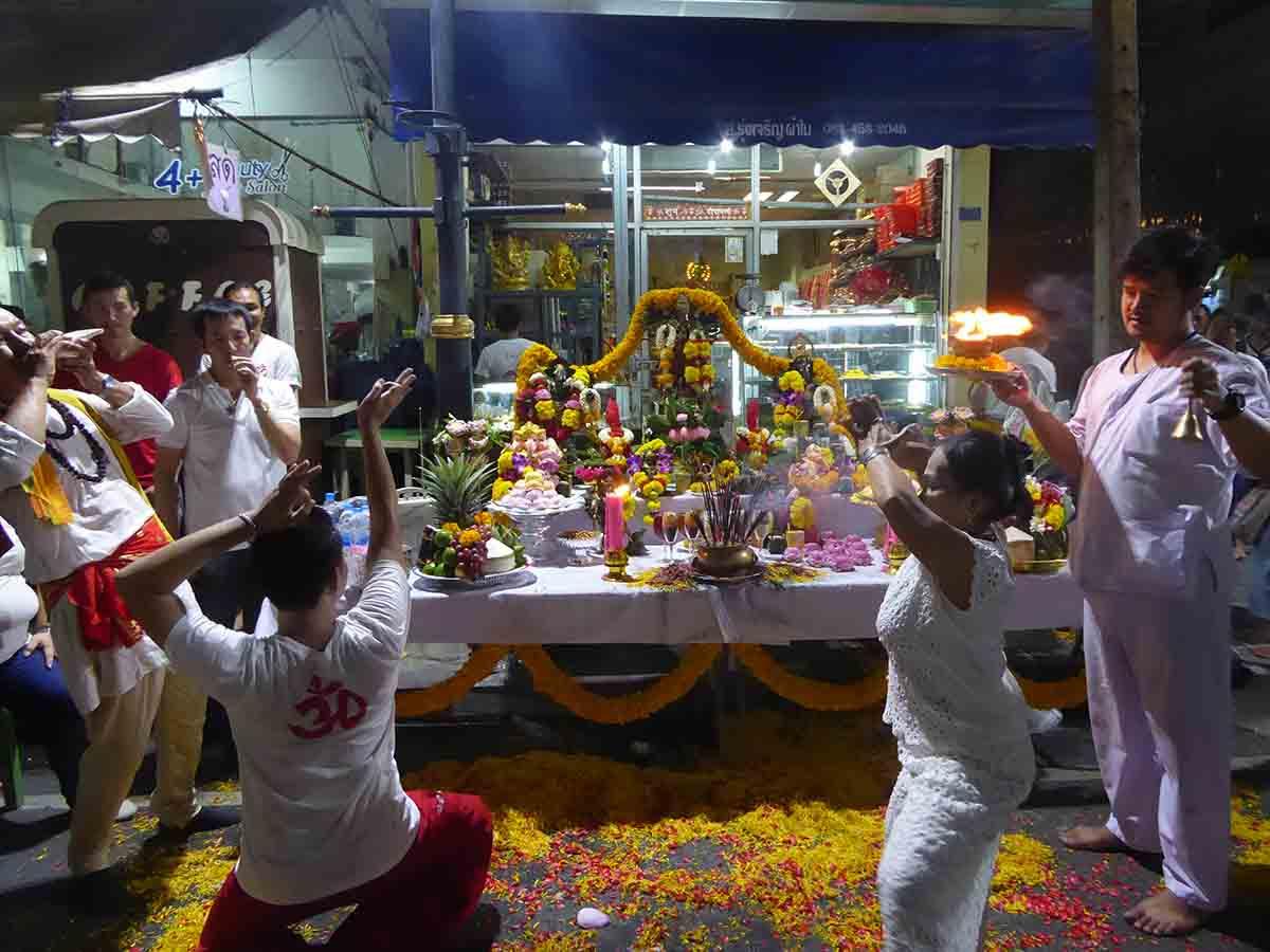 Wat Phra Sri Maha Uma Devi Indian Temple in Bangkok