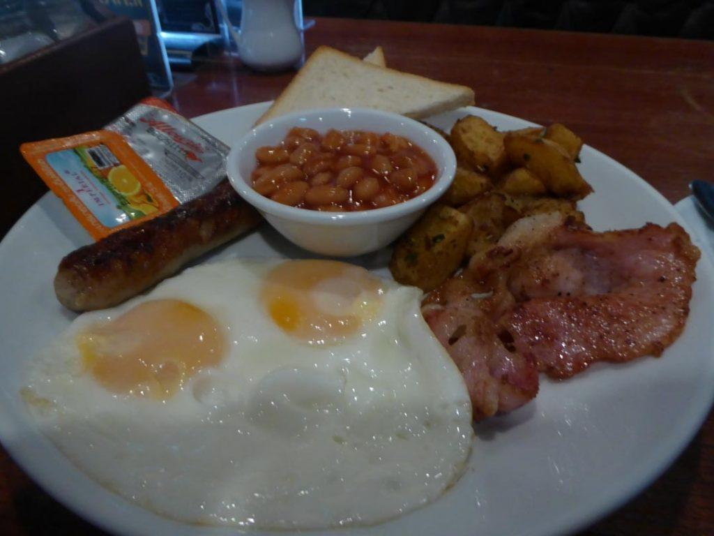 Breakfast at the Kiwi Pub Bangkok