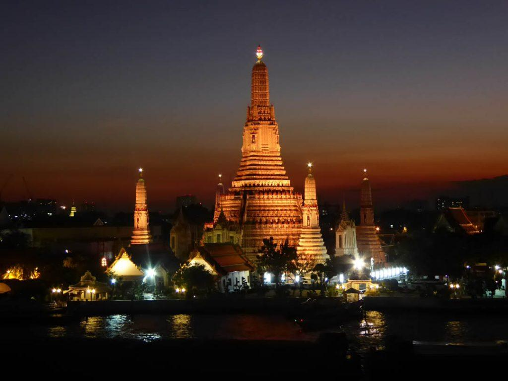 Wat Arun Temple in Bangkok at night.