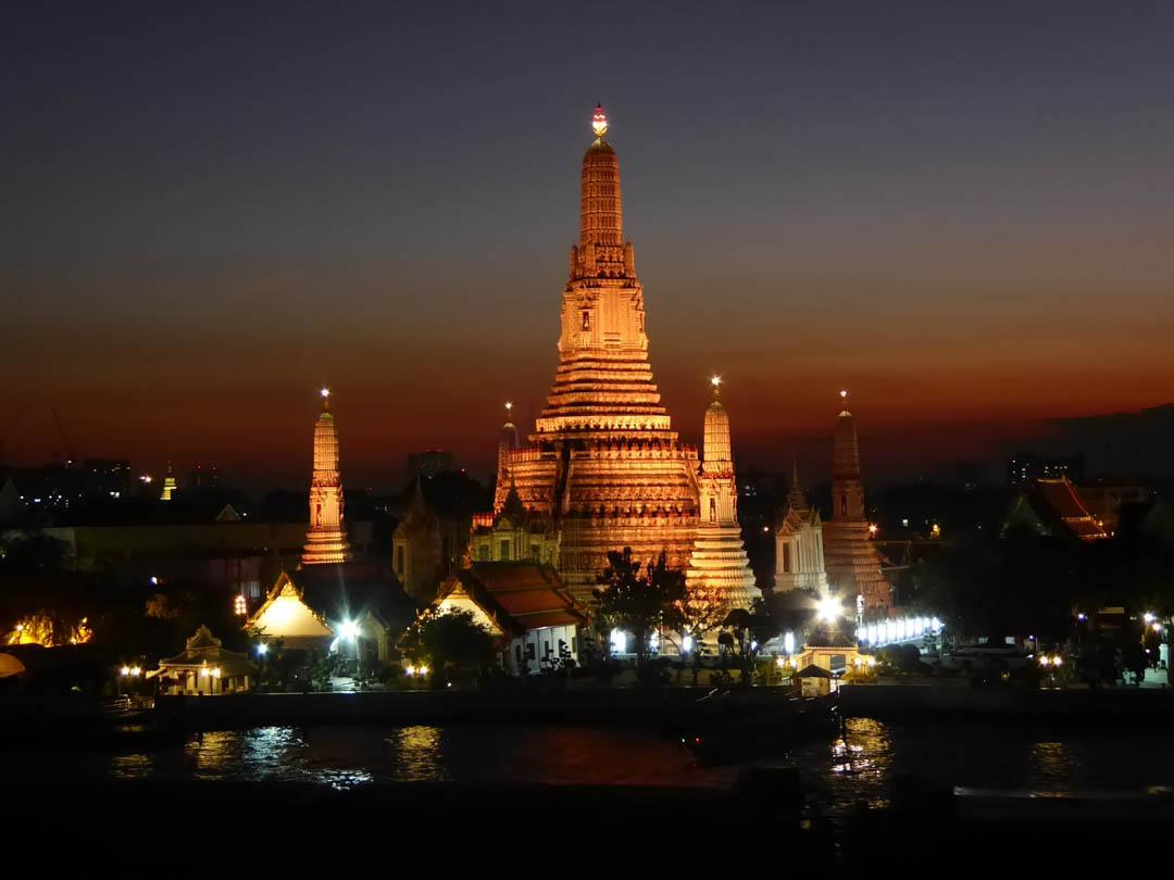 Wat Arun - Peninsula Bangkok