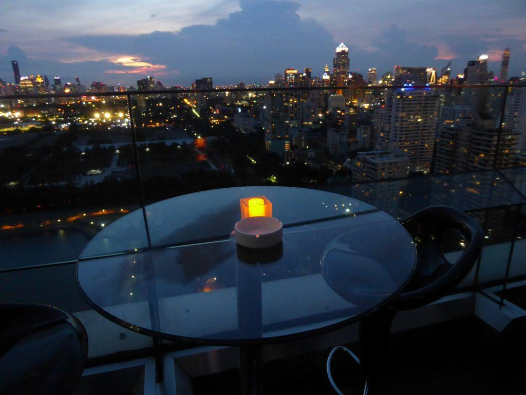 Long Table 1 1024x768 - Rooftop Bars