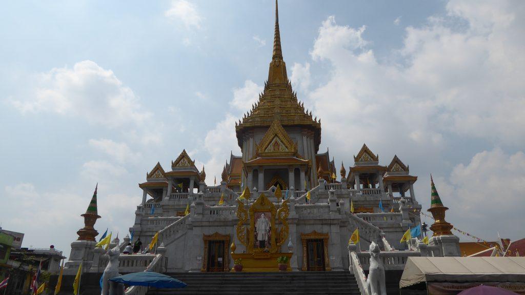 Wat Traimit Chinatown Bangkok