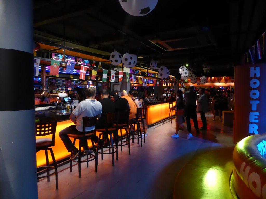 Hooters Bar in Bangkok