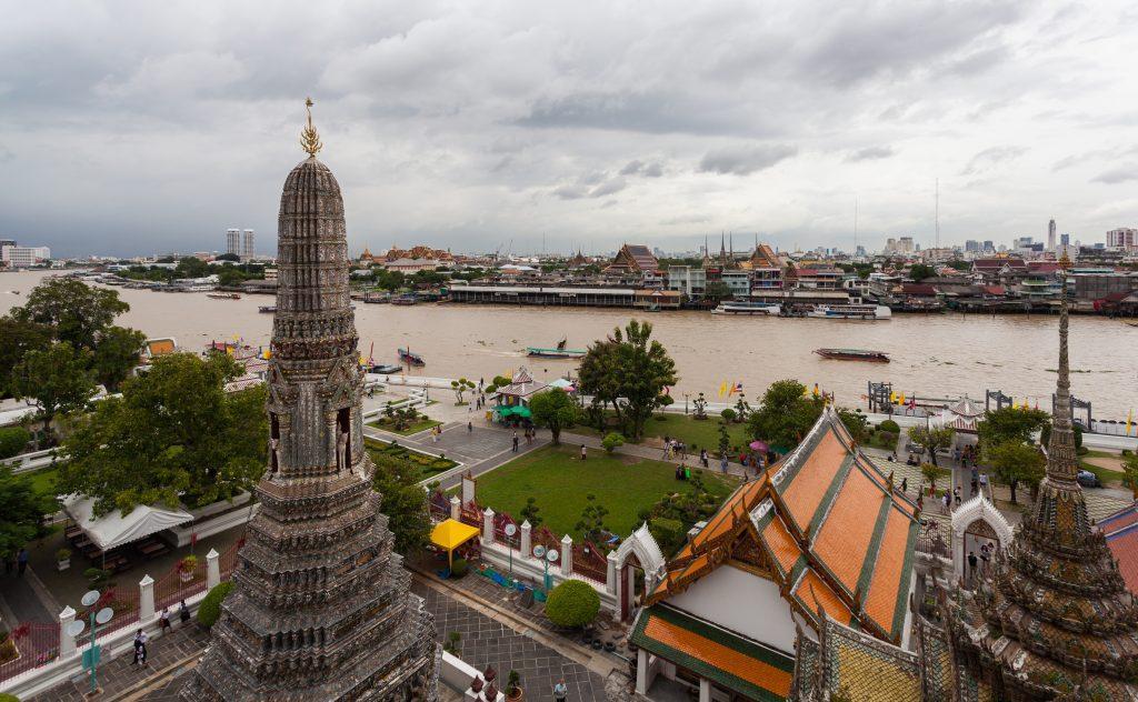 Wat Arun 4 1024x632 - Wat Arun (The Temple of Dawn)