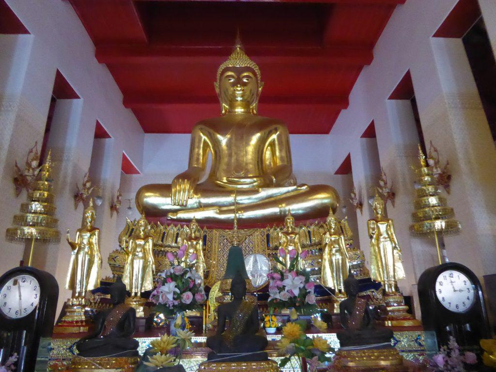 P1220963 1024x768 - Wat Mahathat Yuwaratrangsarit