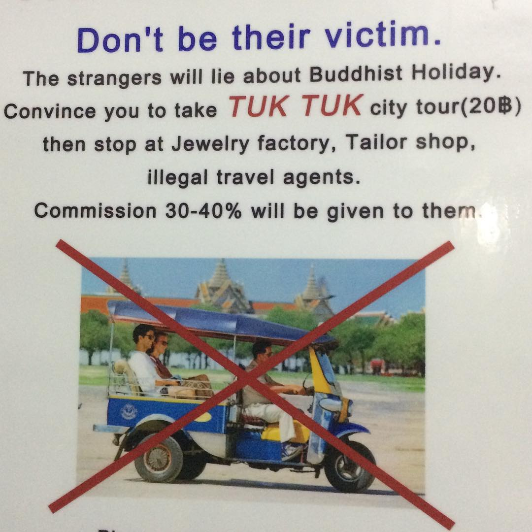 12345760 120343295006352 1456751976 n - Tourist Scams