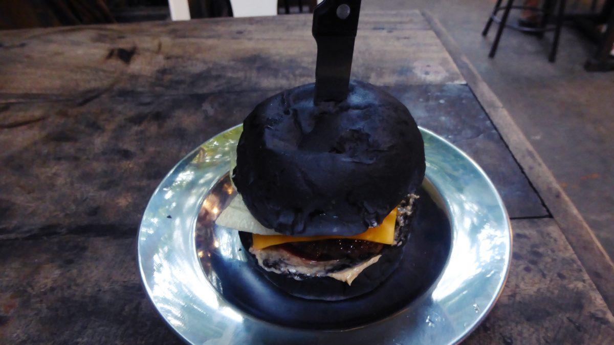 P1080193 e1565707674986 - American & Burgers