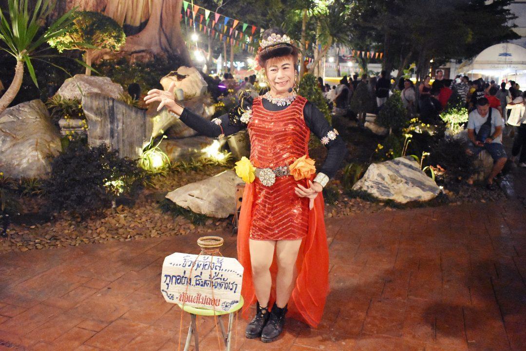 DSC 0221 e1573913105474 - Golden Mountain Temple Fair