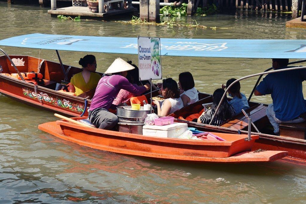DSC 0806 - Damnoen-Saduak Floating Market
