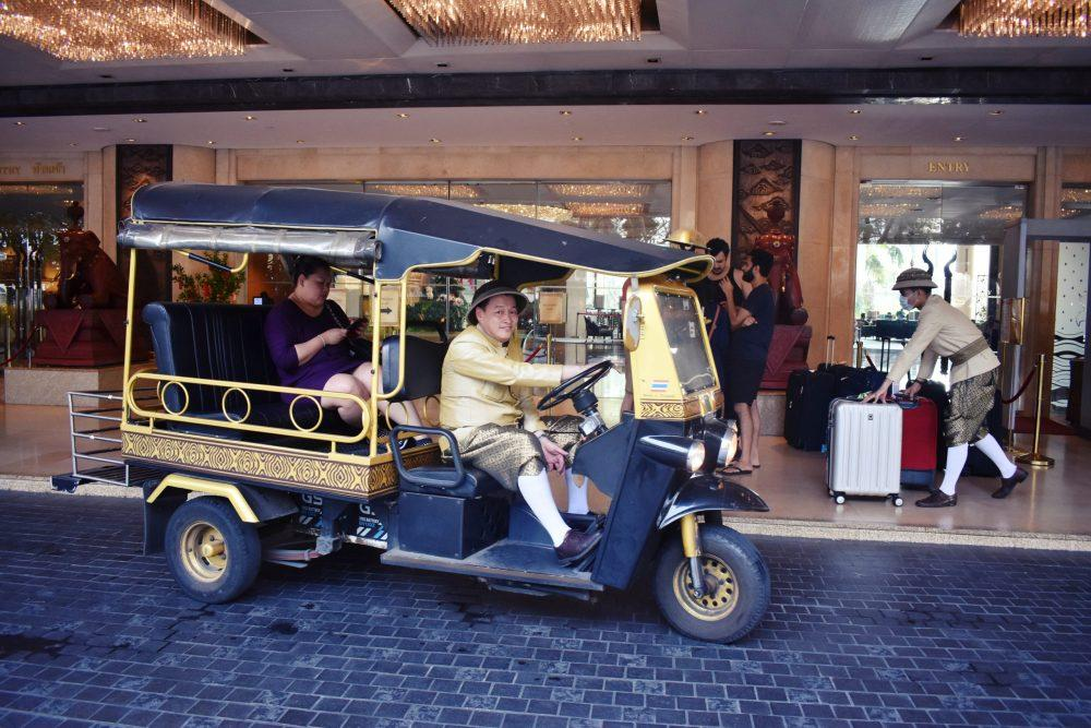 DSC 0983.JPG1  1 scaled e1590335227955 - Shangri la Hotel Bangkok