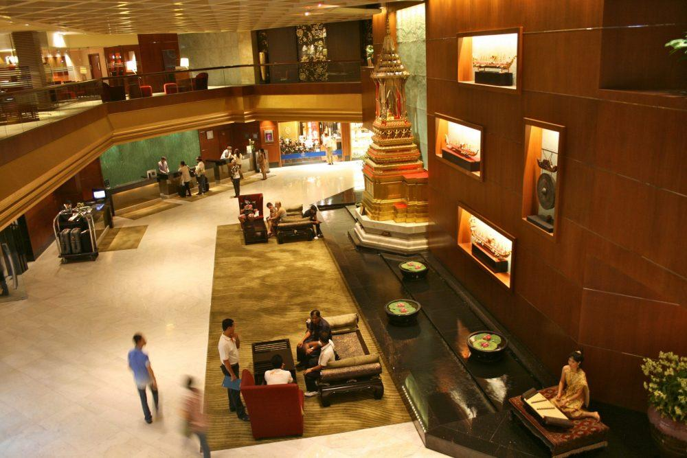 Lobby Royal Orchid Sheraton Riverview hotel 8285809466 scaled e1590941877416 - Royal Orchid Sheraton