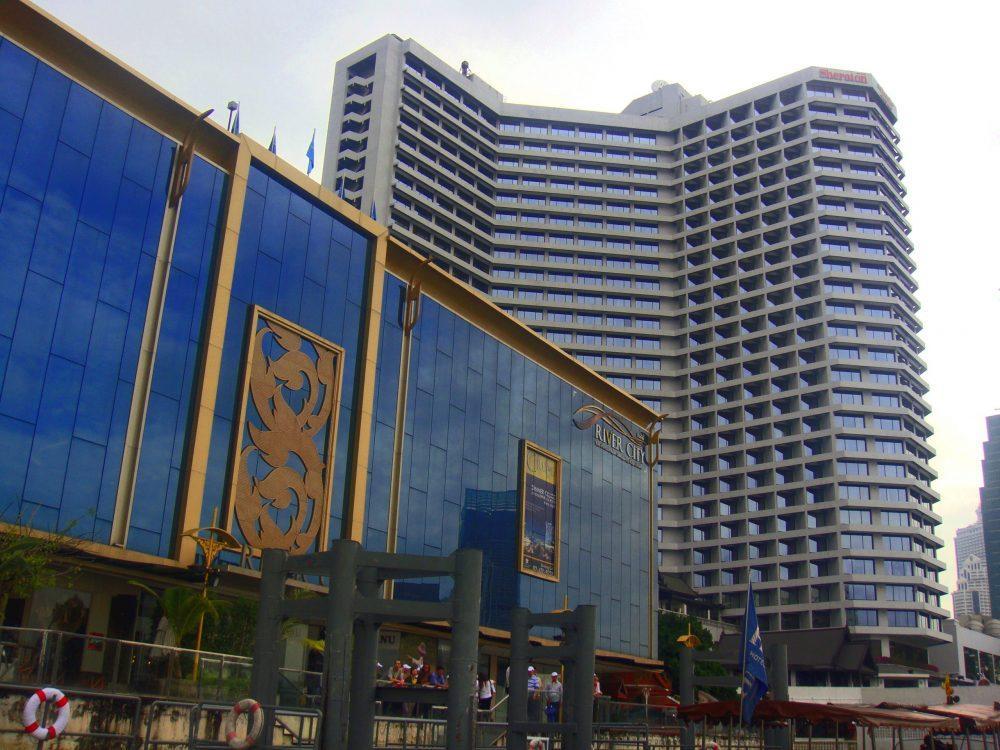 Royal Orchid Sheraton Hotel   panoramio scaled e1590941903646 - Royal Orchid Sheraton