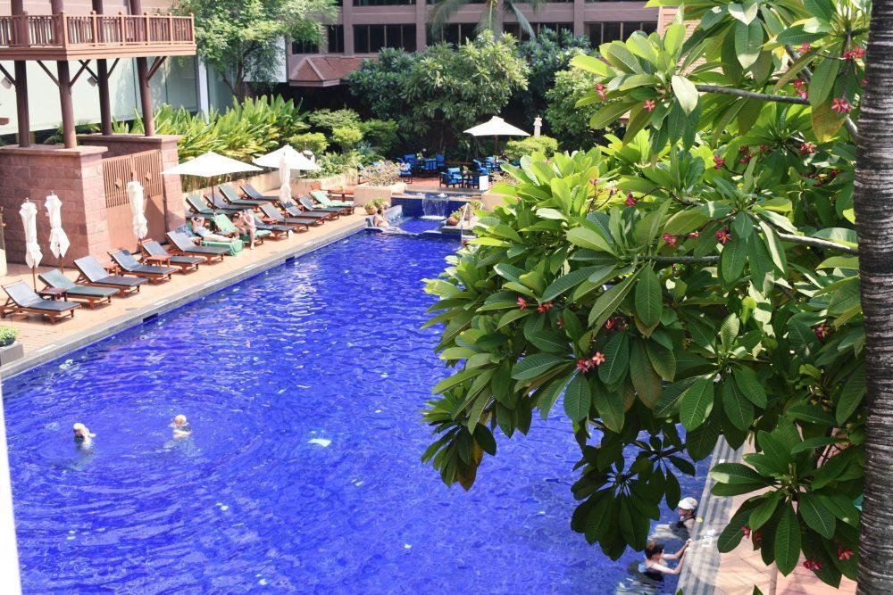 Ramada Plaza Riverside Pool