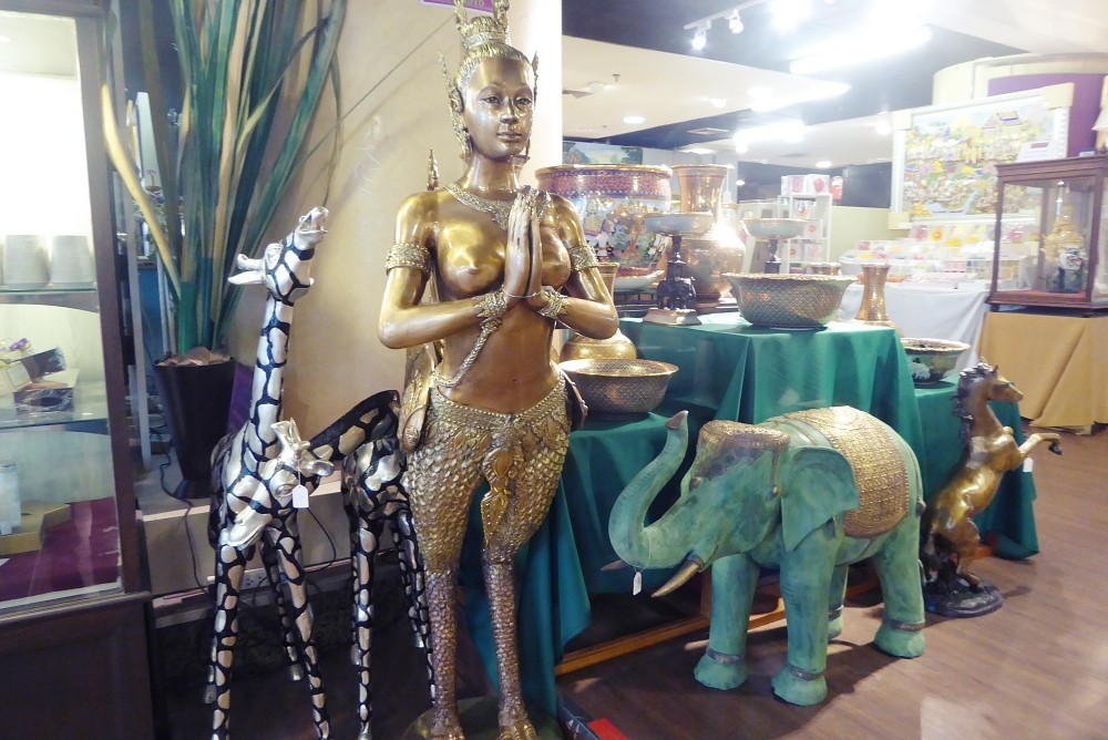 Art & Antique Shopping Bangkok