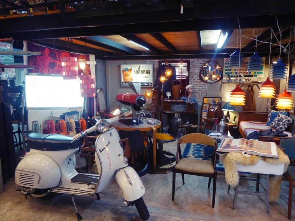vintage & retro furniture shops in Bangkok
